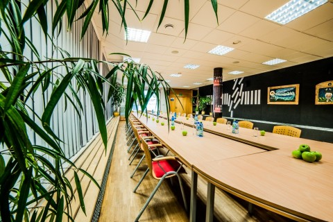 sala-konferencyjna-wynajem-ck-centrum-kultury-tył-grodzisk-mazowiecki-spotkania-meeting