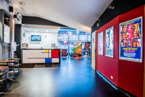 sala-widowiskowa-centrum-kultury-grodzisk-mazowiecki-ck-wynajem-sali-foyer-kino